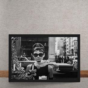 Audrey-Hapburn-Bonequinha-de-Luxo-tecido