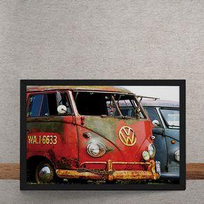 Carro-Volkswagen-Kombi-Vermelha-Enferrujada-tecido