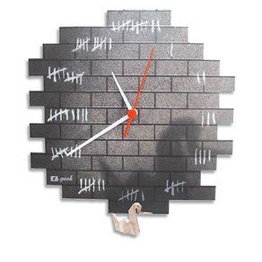 RG14-relogio-de-parede-preso-1