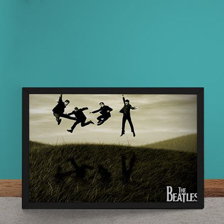 Quadro Decorativo Beatles Pulando na Grama
