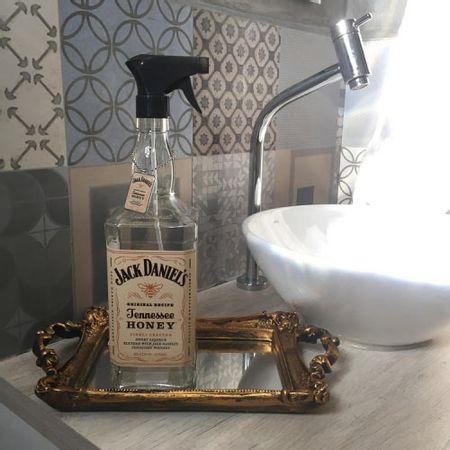 Saboneteira Garrafa de Whisky Jack Daniels Rotulo Bege
