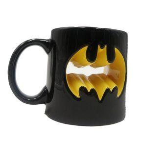 Caneca_Logo_Dourada_Batman_DC__185